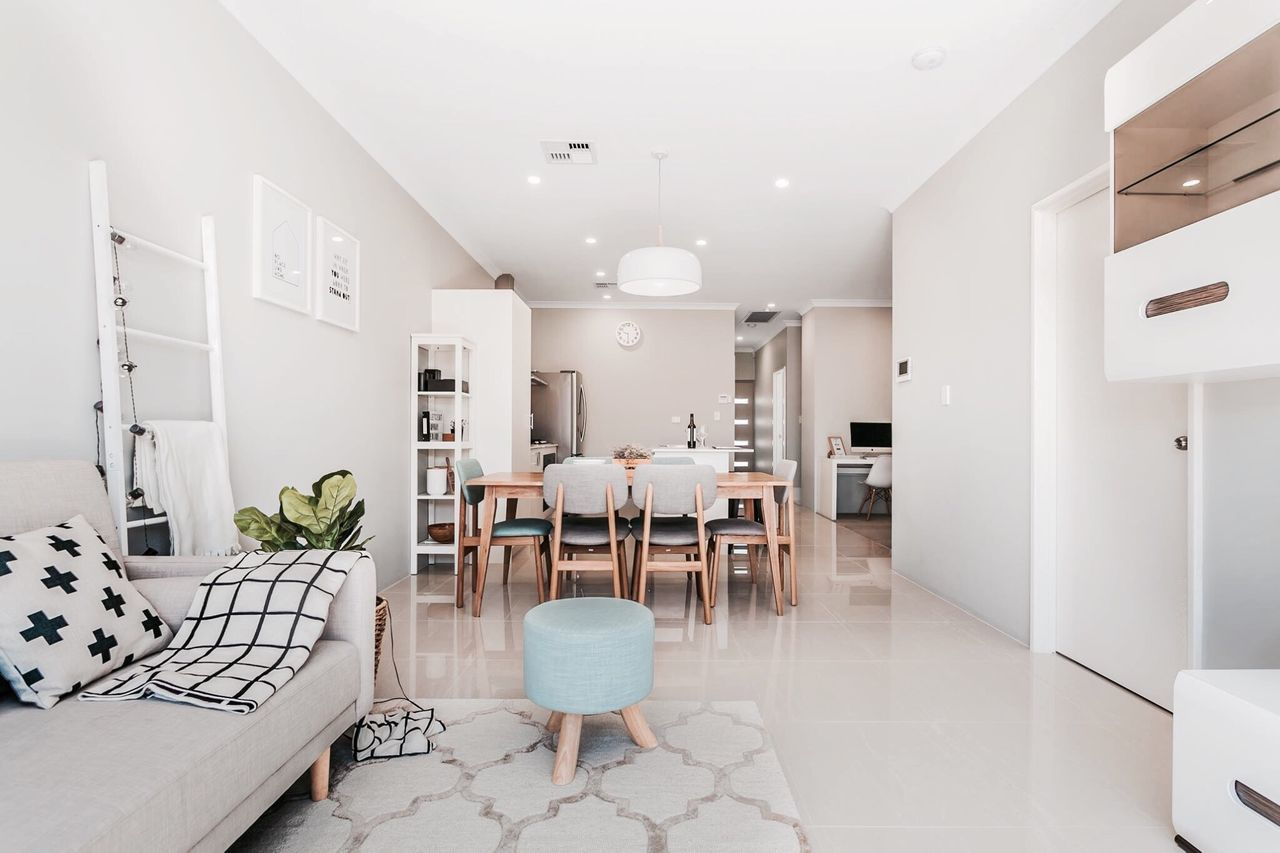 Lovely home 🙆🏻 Ceiling Dining Room Flooring Lighting Equipment Dining Table Chair Indoors  Pendant Light Neat Interior Design Decoration Modern Scandinavia Home Decor Interiorstyling Interior Home Place Setting Followme Cozy Homeideas