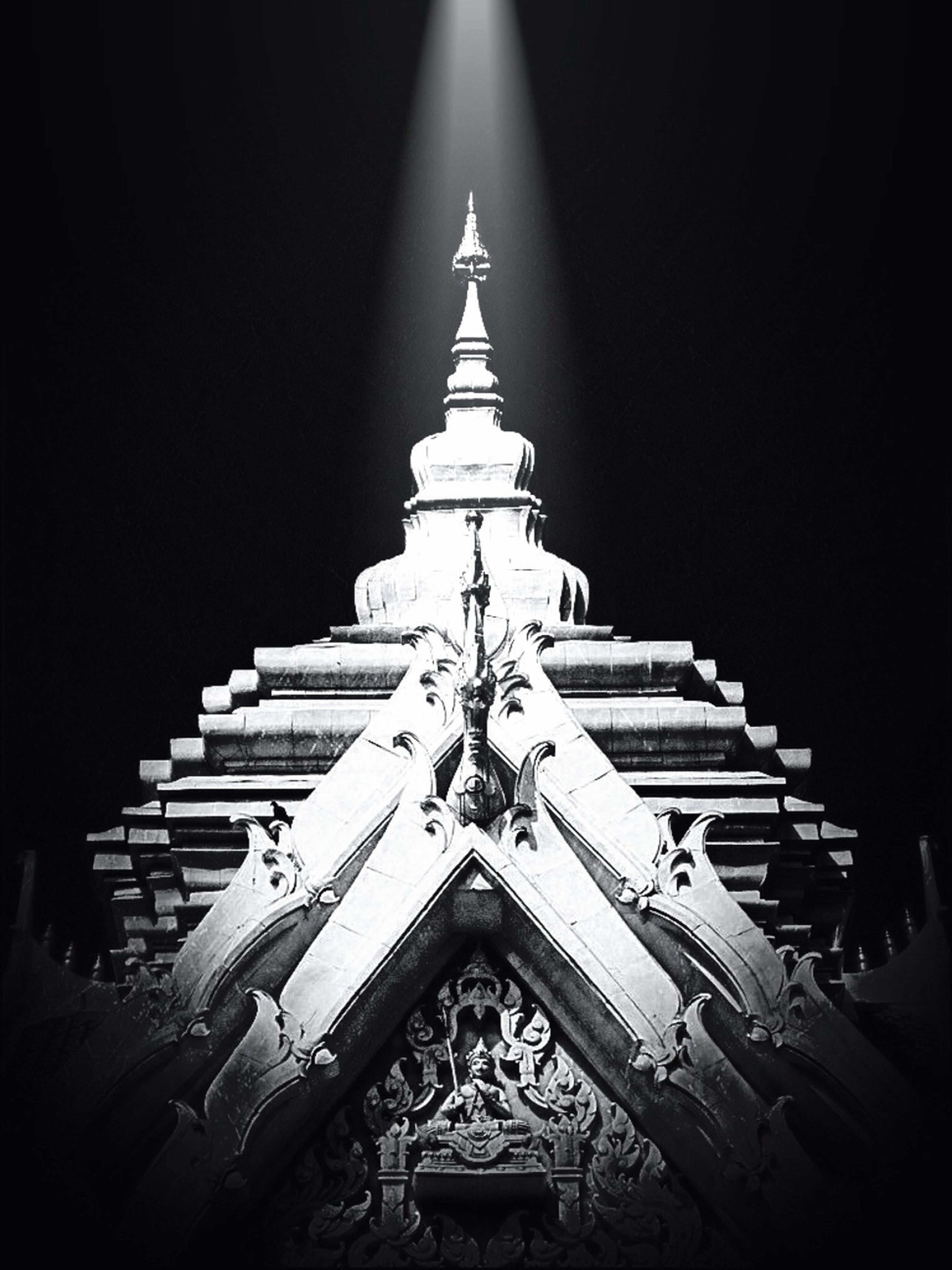 architecture, religion, built structure, building exterior, place of worship, spirituality, low angle view, church, night, clear sky, temple - building, history, cathedral, illuminated, famous place, travel destinations, copy space, sky