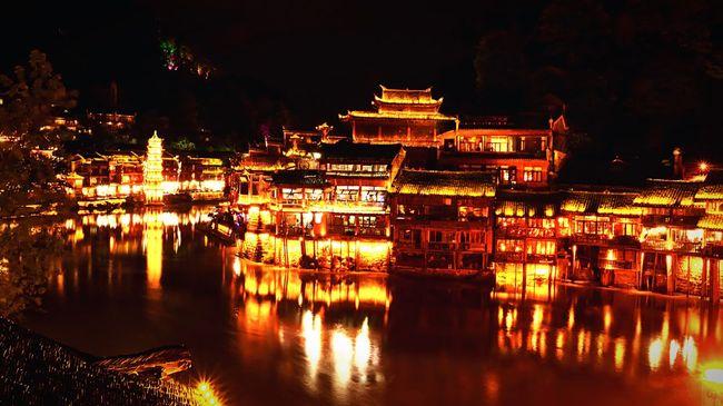 FengHuang Old Town FengHuang Old Town FengHuang Fenghuang Of Southwest Of Hunan Hunan Hunan Changsha Hunan Province, China Hunan.China Zhangjiajie Fenghuang County Night Night Lights Night Photography Night View Reflection Mirror Picture