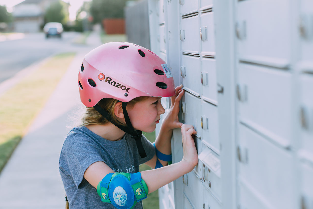 Beautiful stock photos of niedlich, childhood, children only, child, one person