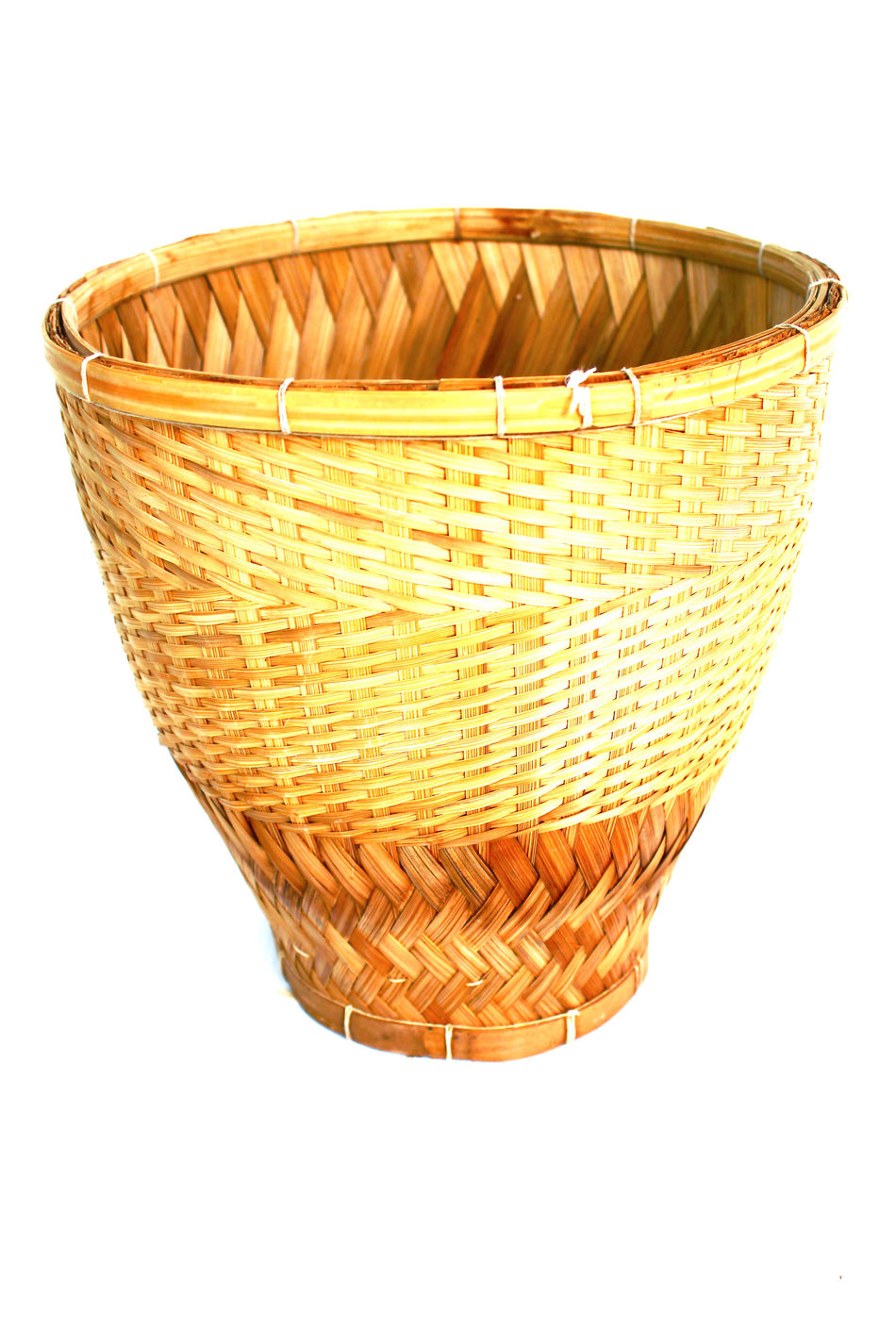 Food Food And Drink Kitchen Kitchen Utensil Kitchen Utensils Kitchenware No People Object Object Photography Objects Objects Of Interest Rice Rice Stick Streem White Background Woven Woven Bamboo Woven Pattern Wovenhand