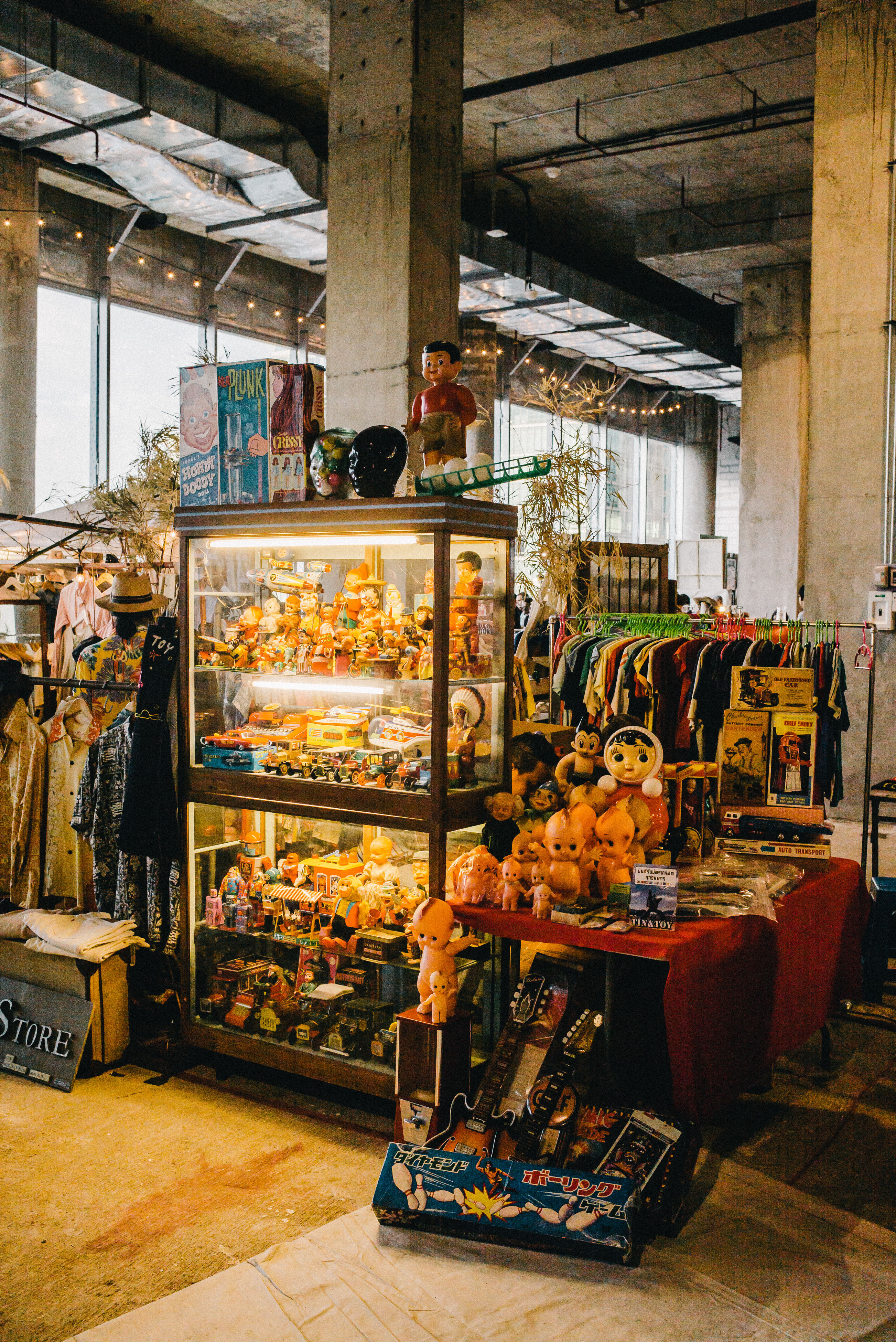 retail, for sale, market stall, market, variation, food and drink, large group of objects, food, abundance, choice, indoors, architecture, store, small business, built structure, freshness, arrangement, hanging, building exterior, display