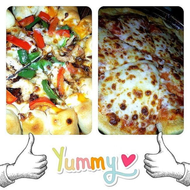 Dinner Pizza Deluxecheese Blackpepperchicken nomnom