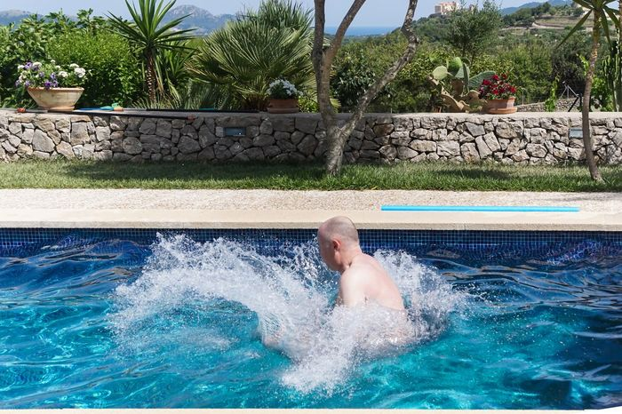 Arschbombe Enjoyment Flowing Water Fun Fun Jump Jumping Leisure Activity Lifestyles Motion Pool Relaxation Spaß Splashing Spritzen Swimming Swimming Pool Tree Turquoise Colored Urlaub Vacations Water