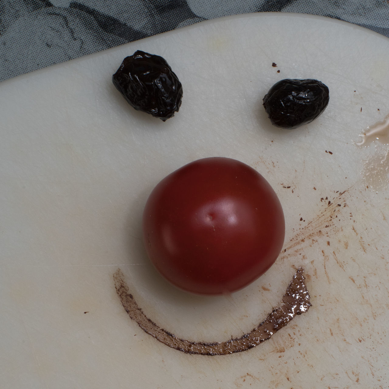 Olive eyes make you look better Breakfast Close-up Day Directly Above Flash Photography Food Food And Drink Freshness Fruit Healthy Eating High Angle View Indoors  Keep Smiling Kitchen Kitchen Art Morning No People Olives Optimistic Plate Studio Shot Table Tomato Vinegar