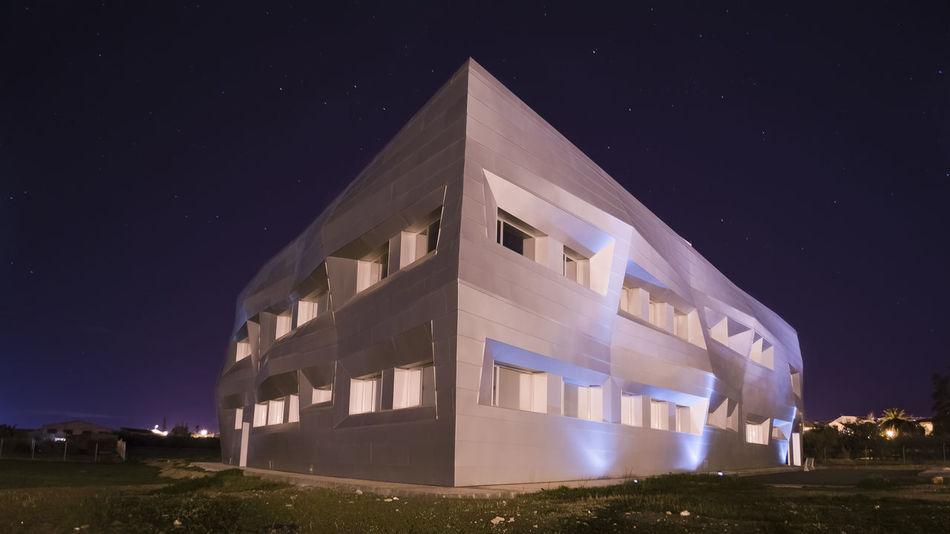 Edificio Edificio Modernista Edificios Y Fachadas Nocturna Nocturnal Pueblos Pueblos De España