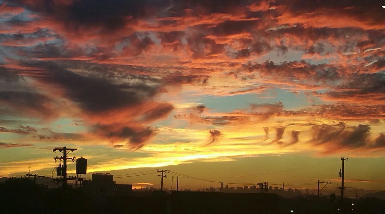 Checking In Urbanphotography Sunset Fire In The Sky Clouds And Sky Color Splash Sun And Clouds Galaxy Note 4
