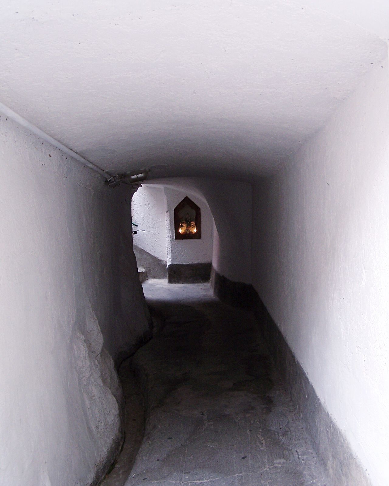 - The light at the end of the tunnel - Light Tunnel Built Structure Holy Religion Religious  Chapel Arch Stairs Corner Candles Italy