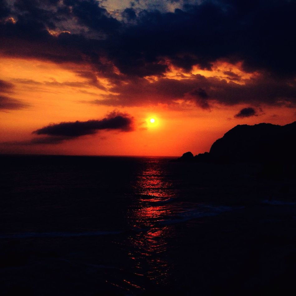 Semburat Jingga di Langit Papuma Sea Sunset Tanjung Papuma Papumabeach Traveling Pesonajember Wonderful Indonesia INDONESIA Travel Travel Photography