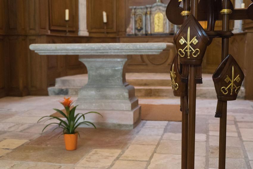 Altar Catholic Church God Golden Keys Plant Shrine Blade Choir  Close-up Day Flower Indoors  Key Miter No People Orange Color Spirituality Stone Material Sword Wood - Material