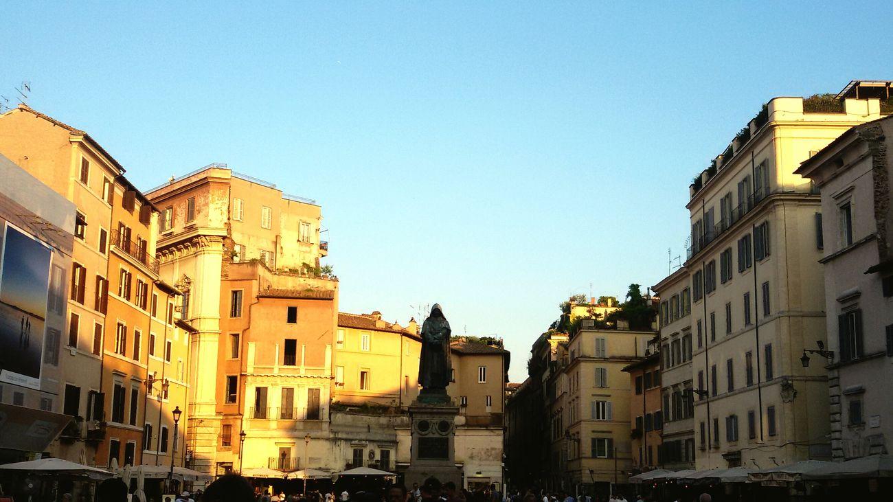 Square Giordano Bruno Campo De'fiori Sister Happy Streetphotography EyeEm Gallery