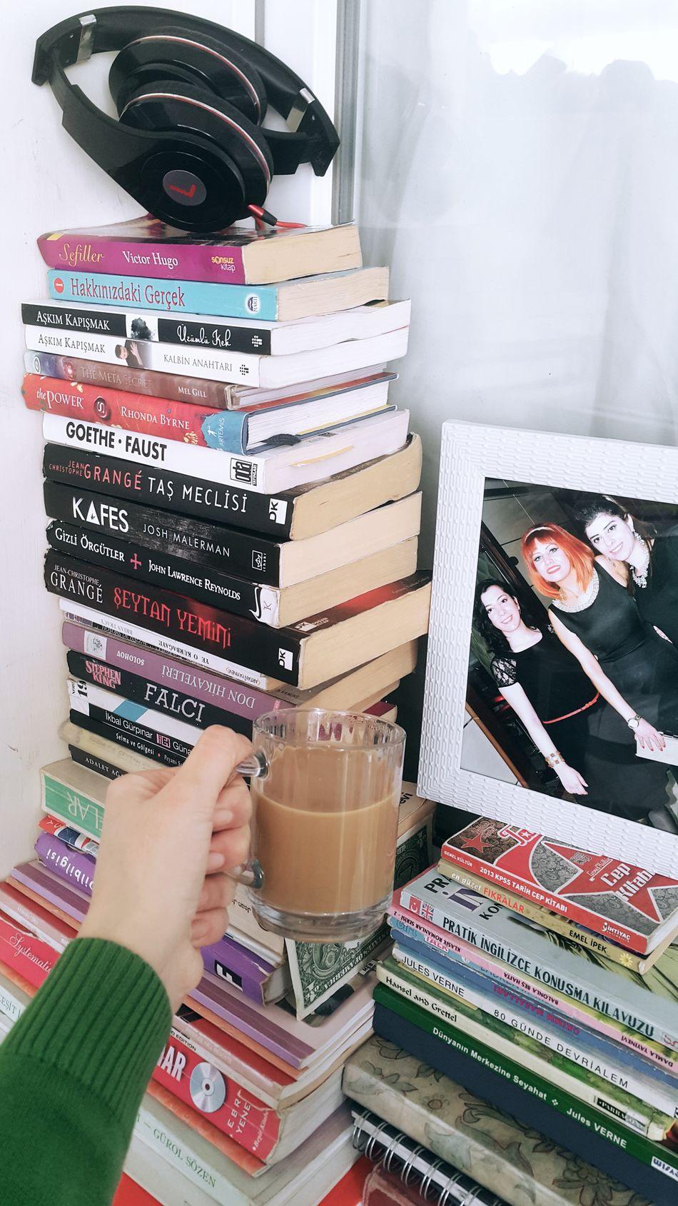Her telden kitap var bende 😂😀 Book Kahve Kitapkokusu Kitaplariyikivar Huzur Kitap Kitaplar Kitapsever Kitapaşkı Coffee Kitapkurdu ızmir