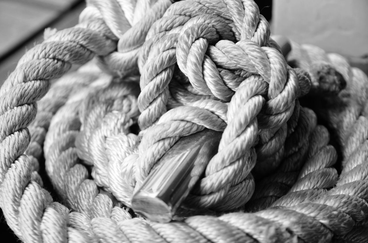 Ropes RopesandChains Cords Ropes Boats Knots Ropes On A Boat Rope In A Knot Tied In A Knot Tied Up Tight Knot Fresh On Market June 2016
