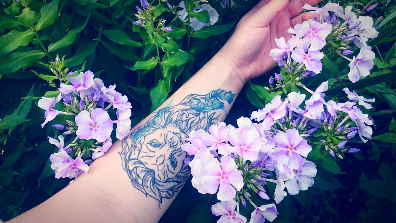 Check This Out Colorful Russia Summer Colors Flowers Hello From Russia Tattoo девушкастатуировкойльва Girlswithtattoos