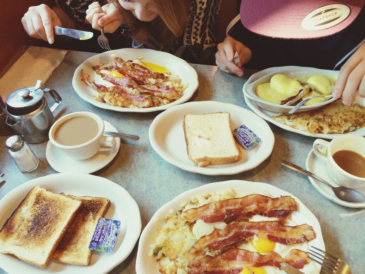 Great experience! First American breakfast in New York New York Queens Sunnysideup Calories Tasteful Americanbreakfast Family