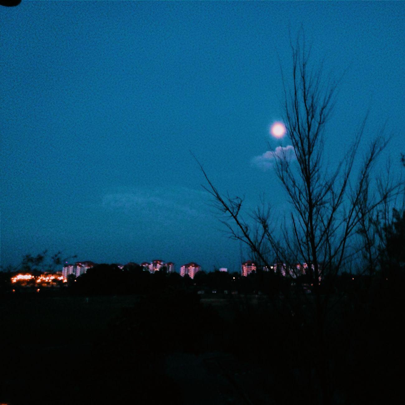 Talking to the moon~ 15 Sya'ban 1436
