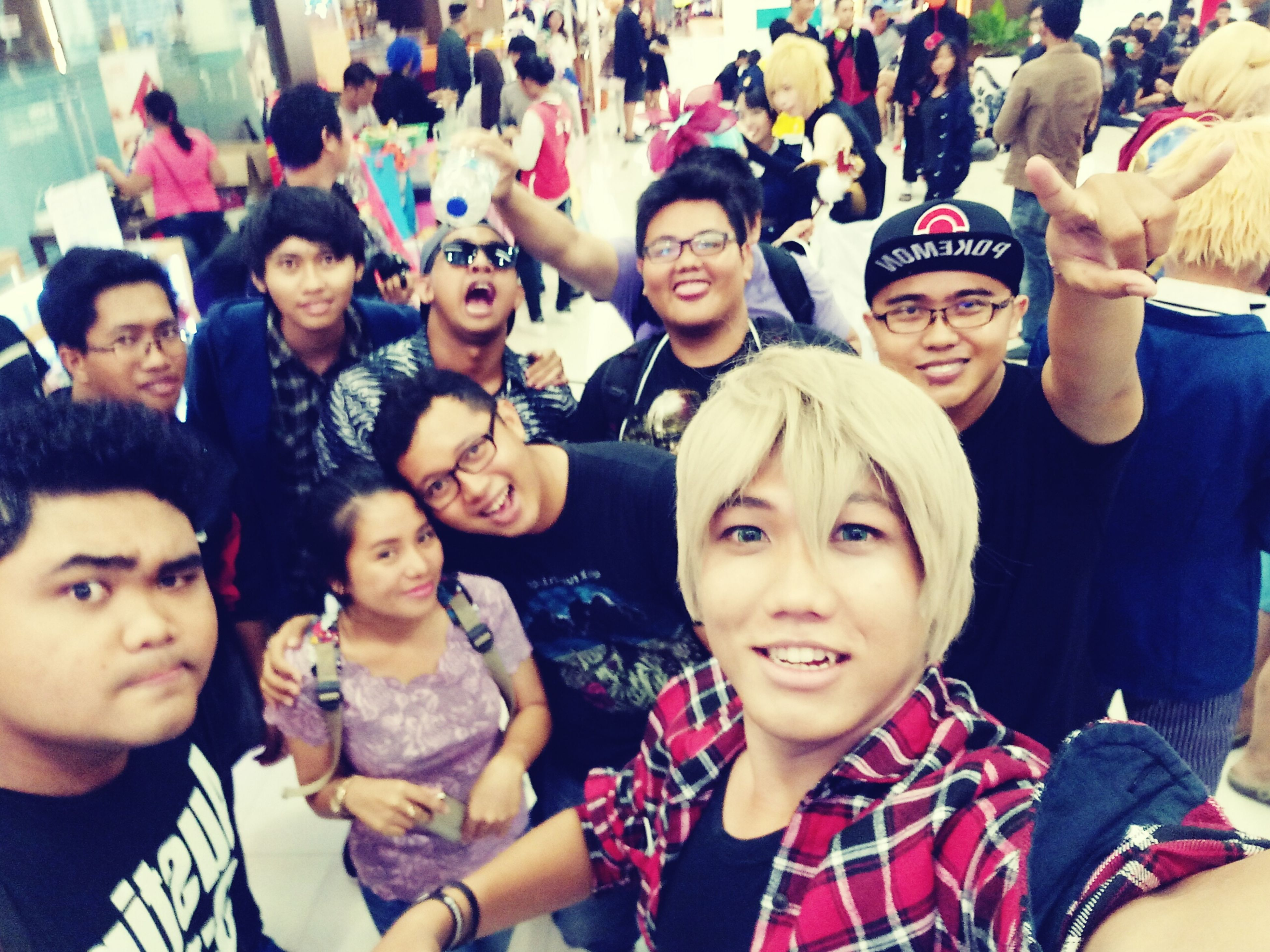 People Cosplay Photo Event Girlfriend Friends Portrait Looking At Camera Crowd