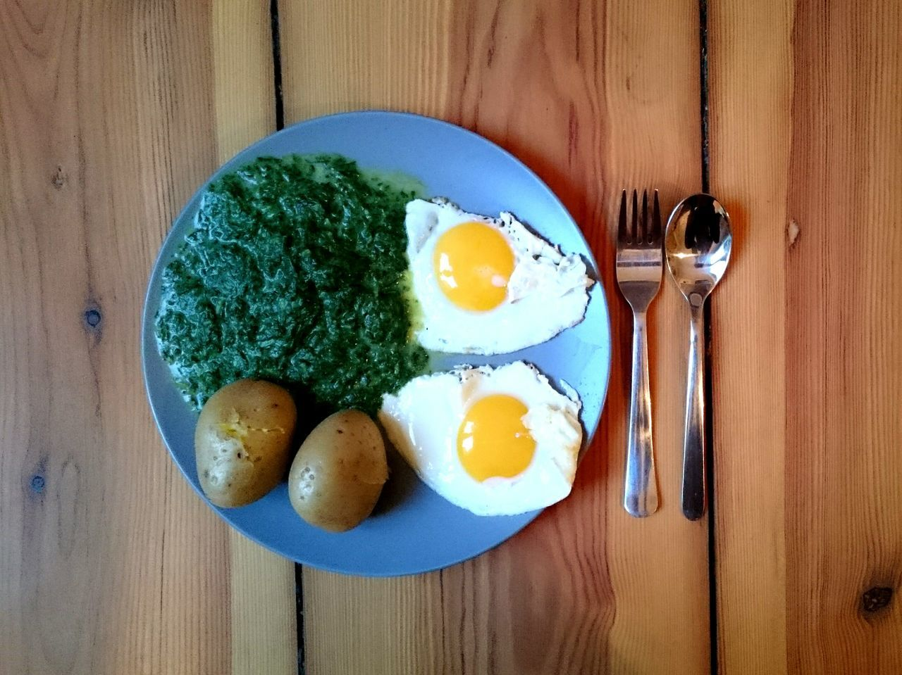 German Food Spinach Plate Food Potato Deutsches Essen Egg Egg Yolk Food And Drink Freshness Indoors  Table Healthy Eating Directly Above Wood - Material Ready-to-eat Boiled Egg Egg White Serving Size Breakfast No People High Angle View Fried Meal