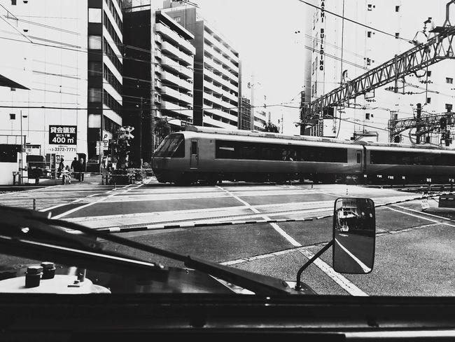 小田急 ロマンスカー。 箱根湯本、行きたい…♨︎ Limited Express Train Blackandwhite Monochrome Railroad Crossing Shinjuku Tokyo Days Hello World Tadda Community Tokyo Adapted To The City