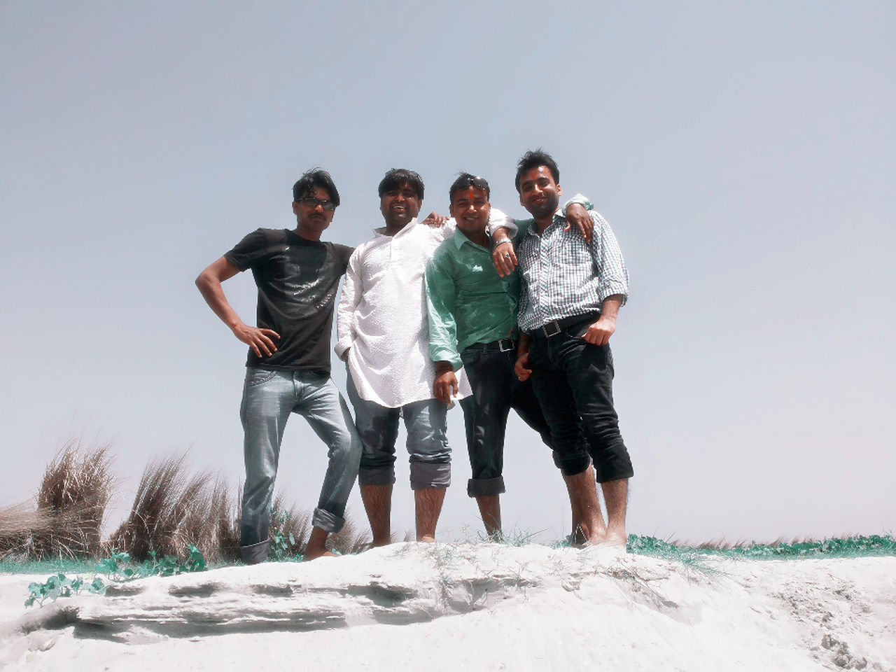 Hanging out with friend River side..@kanpur Taking Photos Enjoying Life Hanging Out