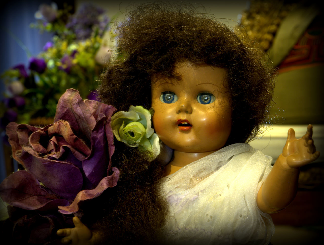 Blue Eye Childhood Childhood Remembrance Close-up Crockery Doll Lieblingsteil Outdoors Purple Flower Macro Remembering Old Times Stuffed Toy
