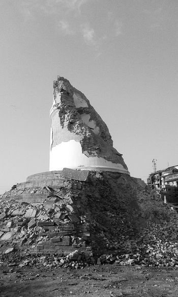"""This is the remaining part of 9 storey tower called """"Dharara"""" of kathmandu after the earthquake. :( Nepal Earthquake Earthquake In Nepal Cityscapes Destroyed In Seconds Samsungphotography Picoftheday Check This Out Black And White Pray For Nepal Eyeemdaily"""