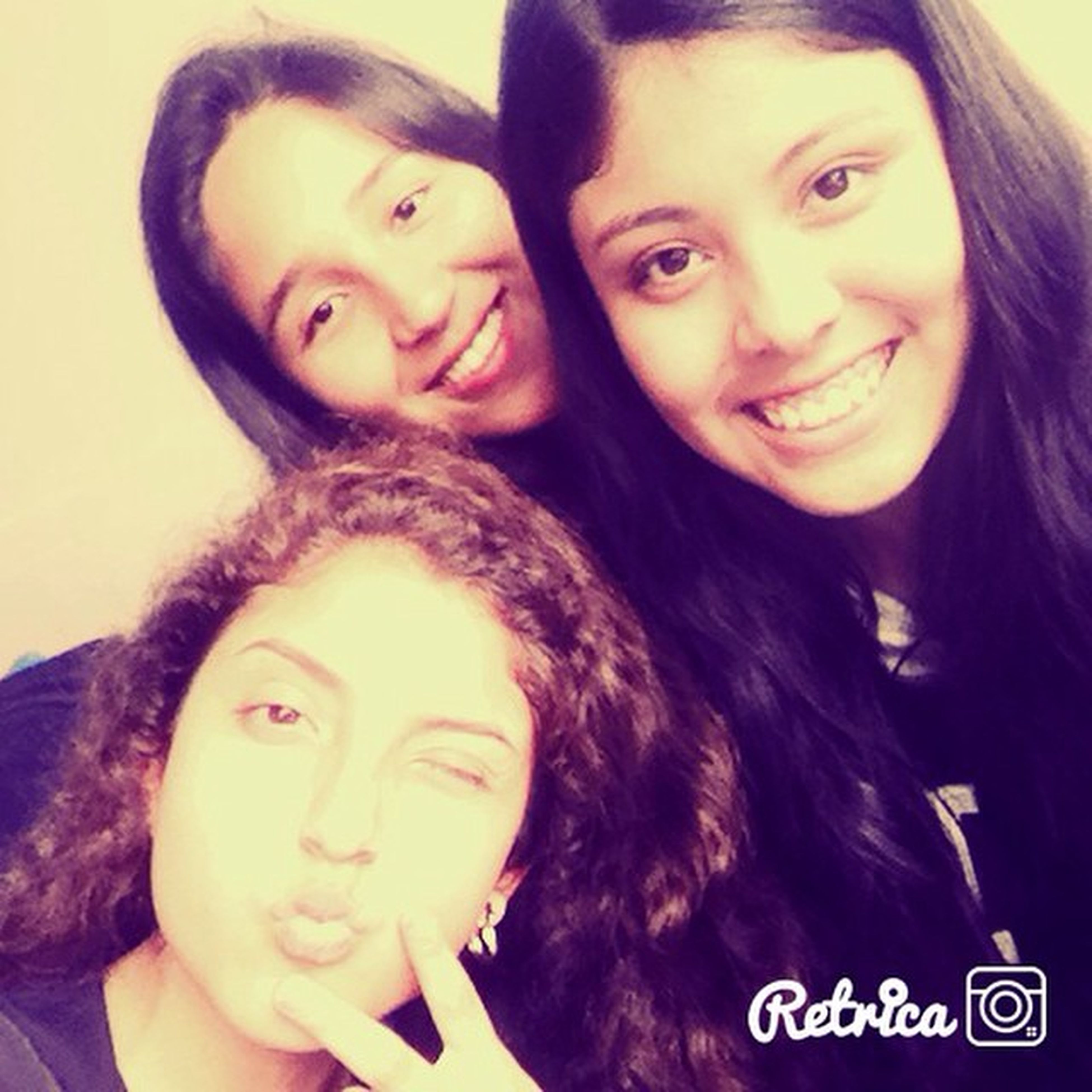 Chikis  Prom Friends Yolo Love Sexy Smile Sweet Happy Instagram Retrica Indomables Fabulosas Famosas 🙅💁🙌❤️😘