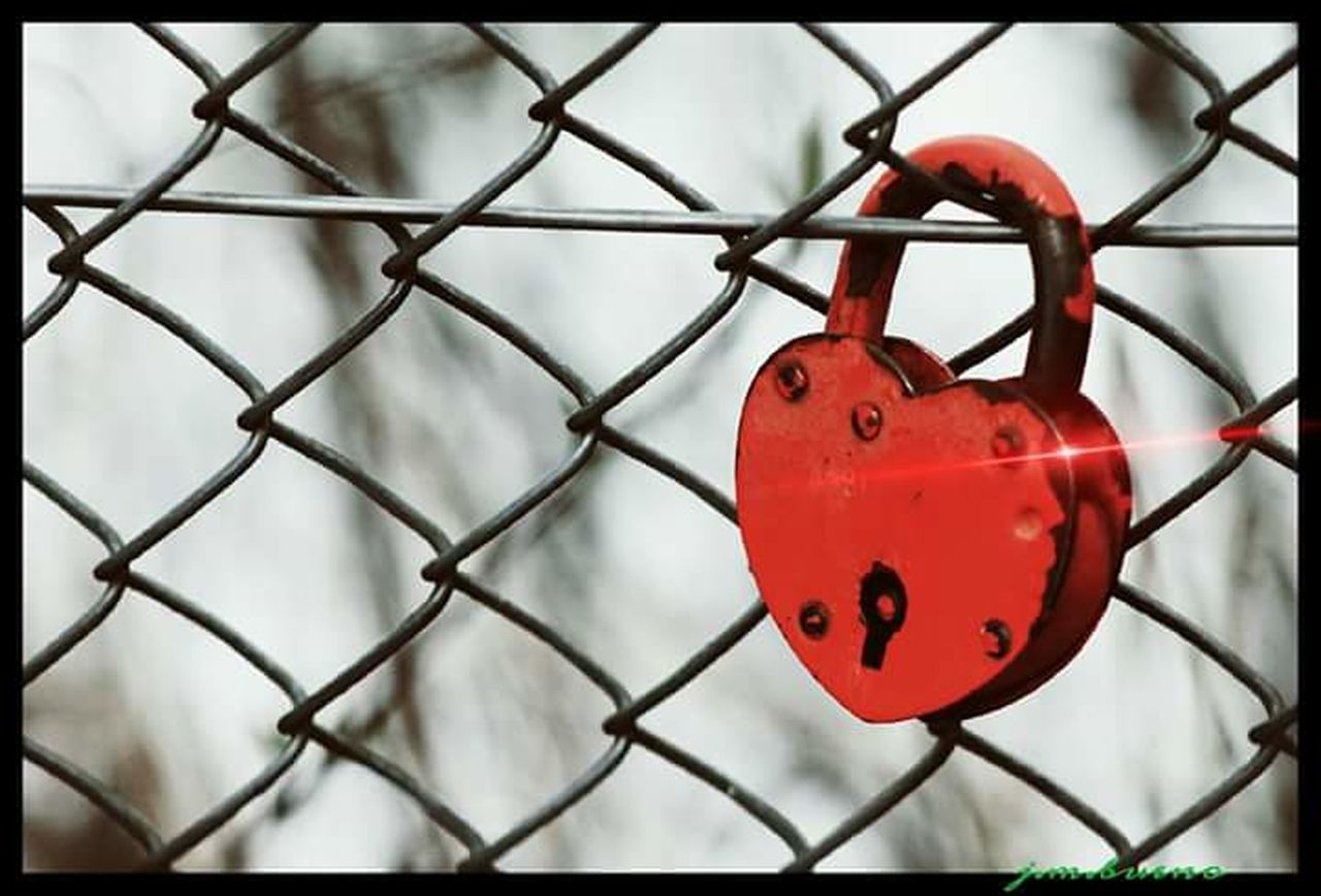 security, safety, protection, chainlink fence, red, metal, lock, padlock, close-up, safe, no people, day, focus on foreground, outdoors, barbed wire, love, security system, love lock, sky
