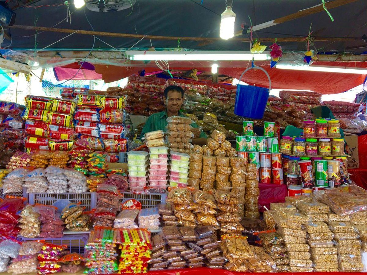 Colour Of Life Trader at Pasar Payang Kuala Terengganu Malaysia Selling Tidbits and all kind of Traditional Fast Food