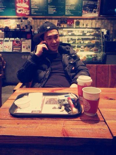 춥다~ ㅜㅜ Hanging Out That's Me Coffee 압구정 까페베네