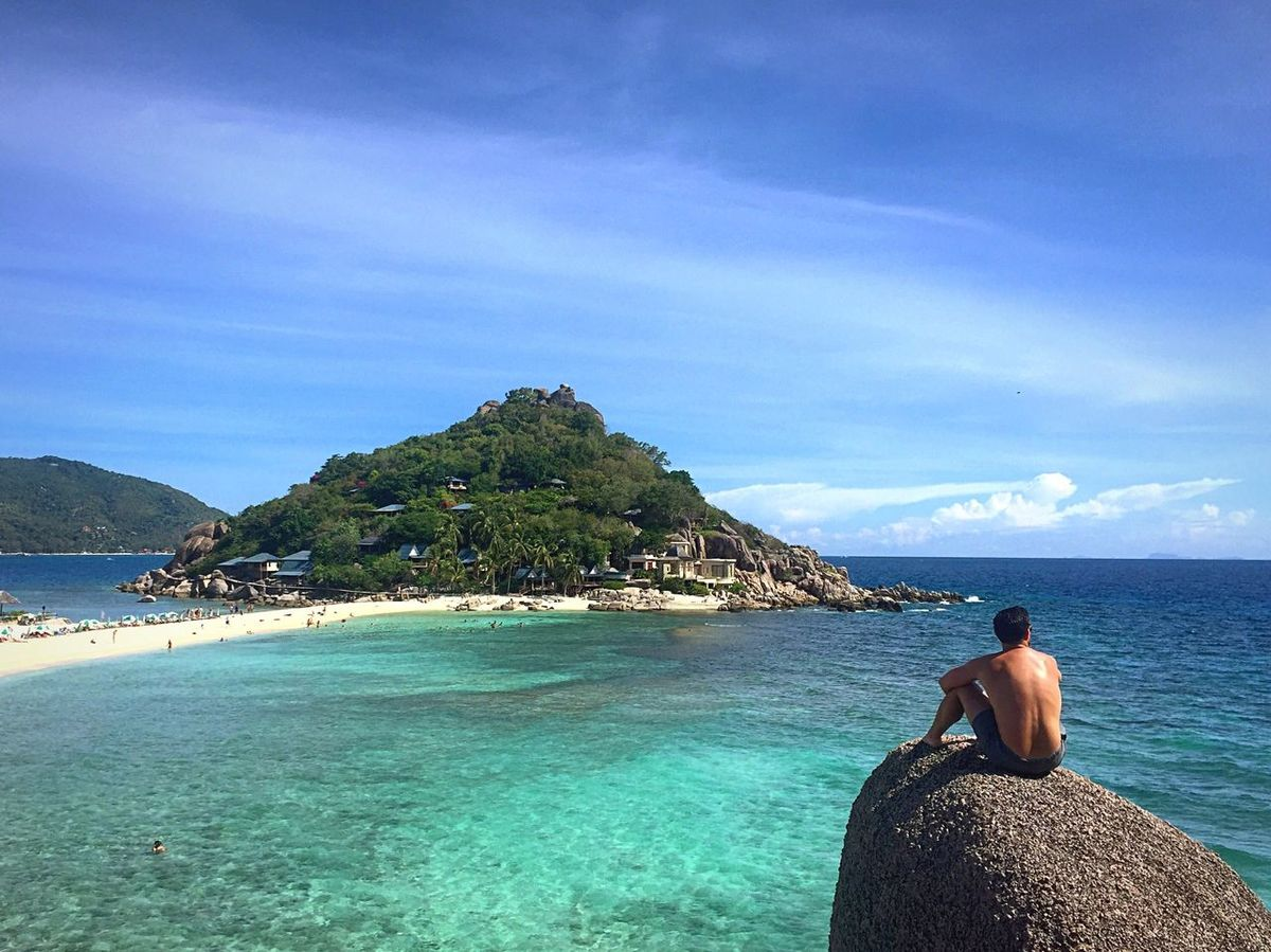 Ponder spot People And Places Thailand Men Man Travel Traveling Nang Yuan Island Nangyuan Travel Photography Travelphotography Travel Destinations Travelgram Sea Sea And Sky Island Exotic