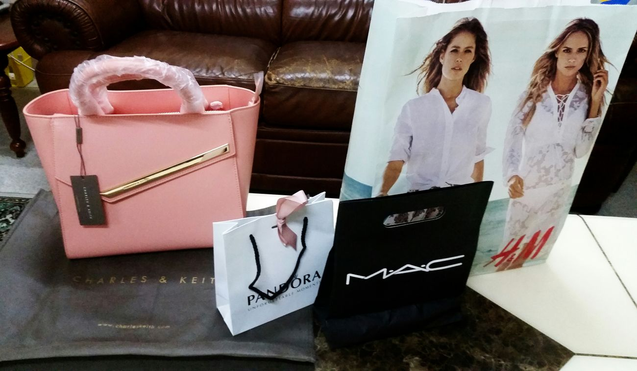 Happymothersday Thankyou Iloveyoubaby MyEVERTHING Charles&keith Mac Pandora H&M Repost From Instagram Sara_teck