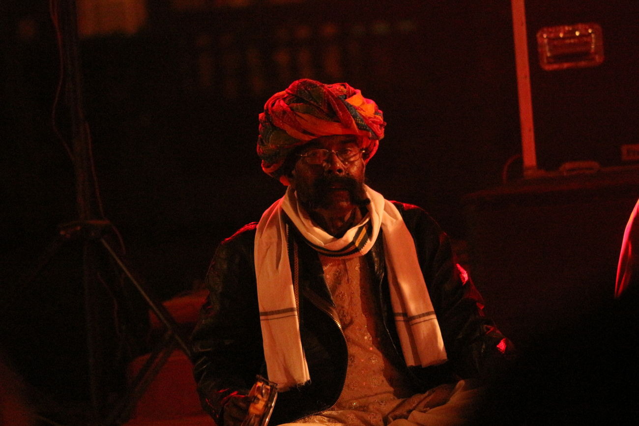 Folk Full Length I Indoors  Jaipur Lifestyles Nightlife One Person People Real People Standing Tradition