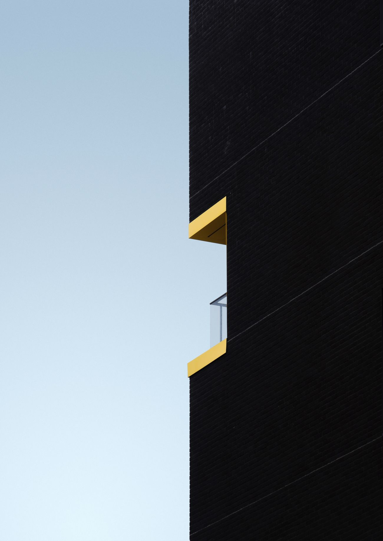 Façade Building The Architect - 2017 EyeEm Awards TheWeekOnEyeEM Angles And Lines Architecture Lines And Shapes Architecture_collection EyeEmBestPics EyeEm Best Edits EyeEm Best Shots Architecturelovers Angles And Views Contrast 50/50 Fiftyfifty Minimalism Minimal Minimalist Architecture Balcony