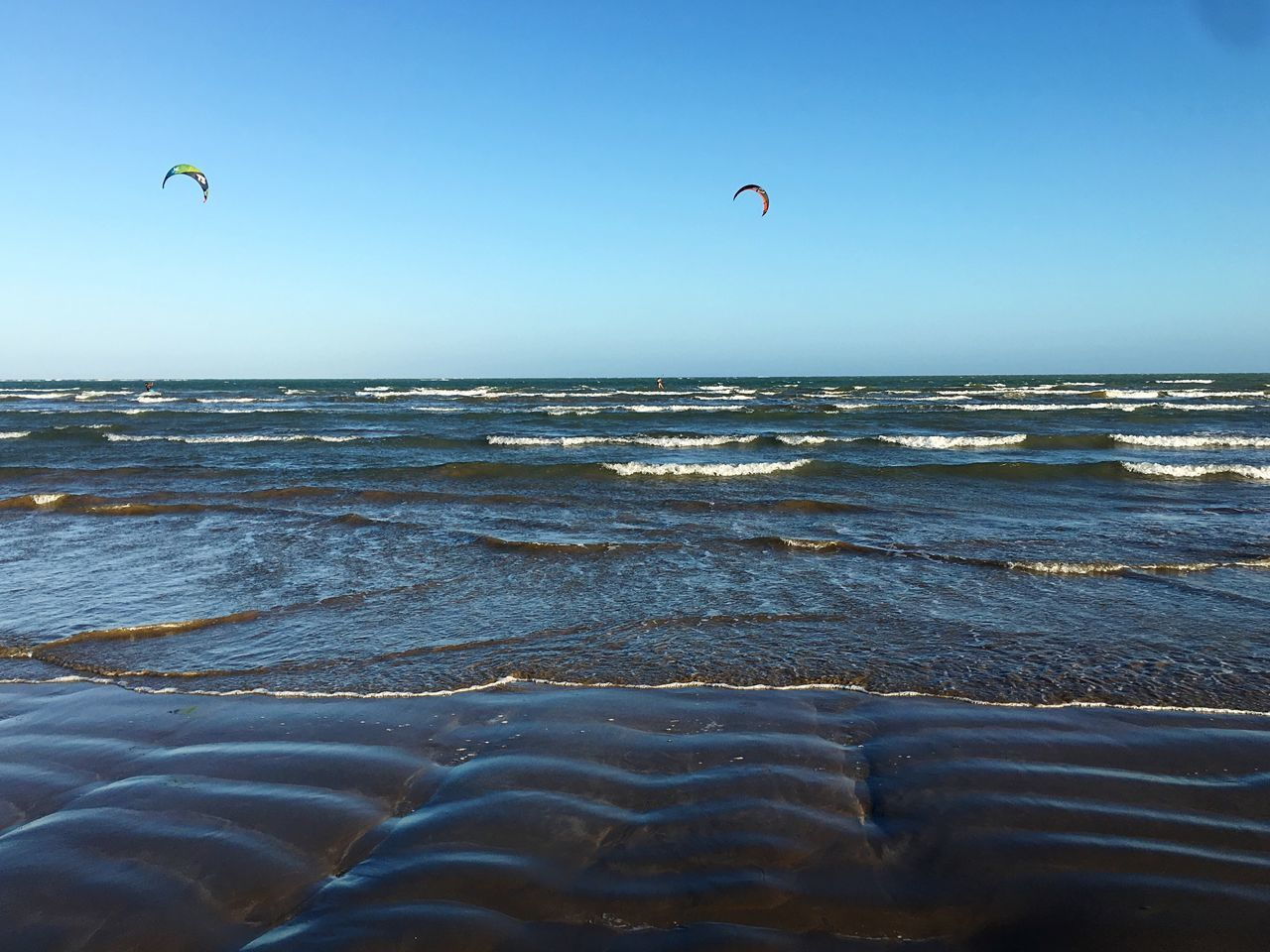 Sunlight Sea Beach Beauty In Nature Horizon Over Water Adventure Nature Clear Sky Water Extreme Sports Scenics Outdoors Wave Tranquility Sport Kiteboarding Day Real People Caribbean Caribbean Sea Kites Kitesurfing Beauty In Nature Kitesurf Sky