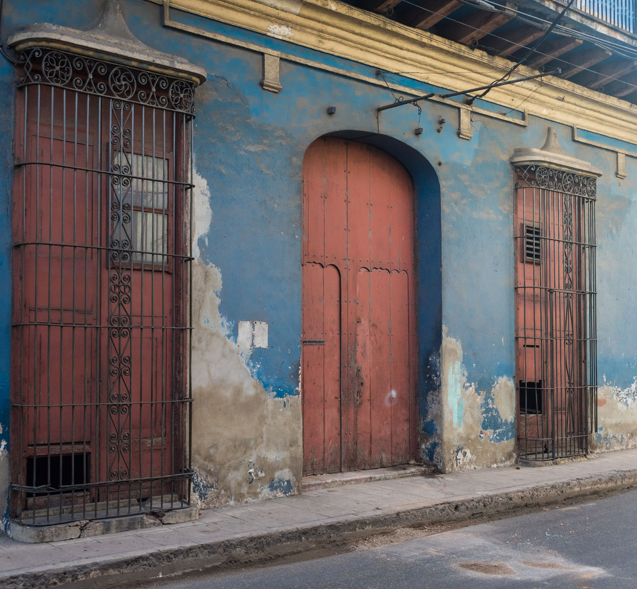 built structure, architecture, abandoned, door, day, building exterior, no people, outdoors