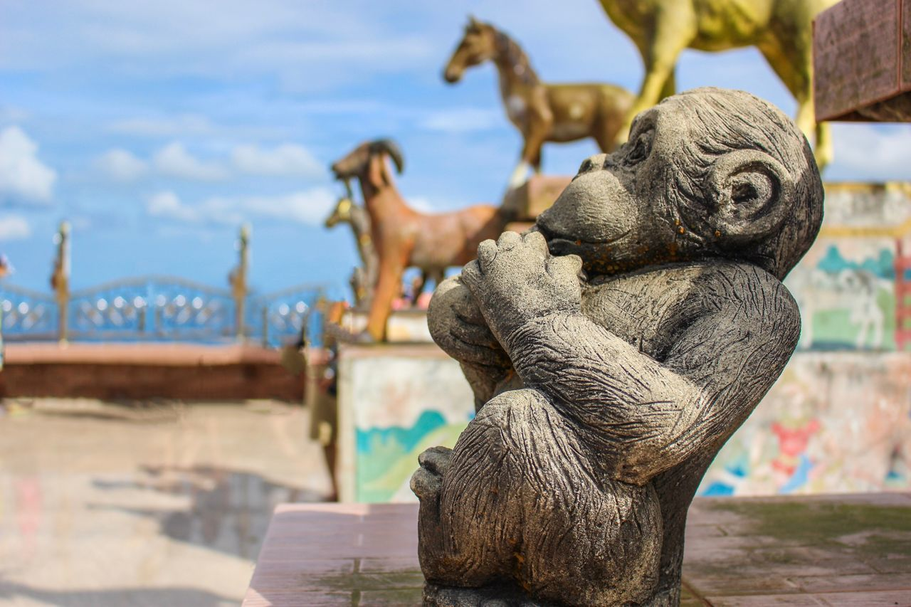 Sculpture Sky Focus On Foreground Statue No People Close-up Outdoors Water Day Lion - Feline Sculpted Architecture Monkey Thailand Koh Samui Zodiac ASIA Asian  Asian Culture HDR