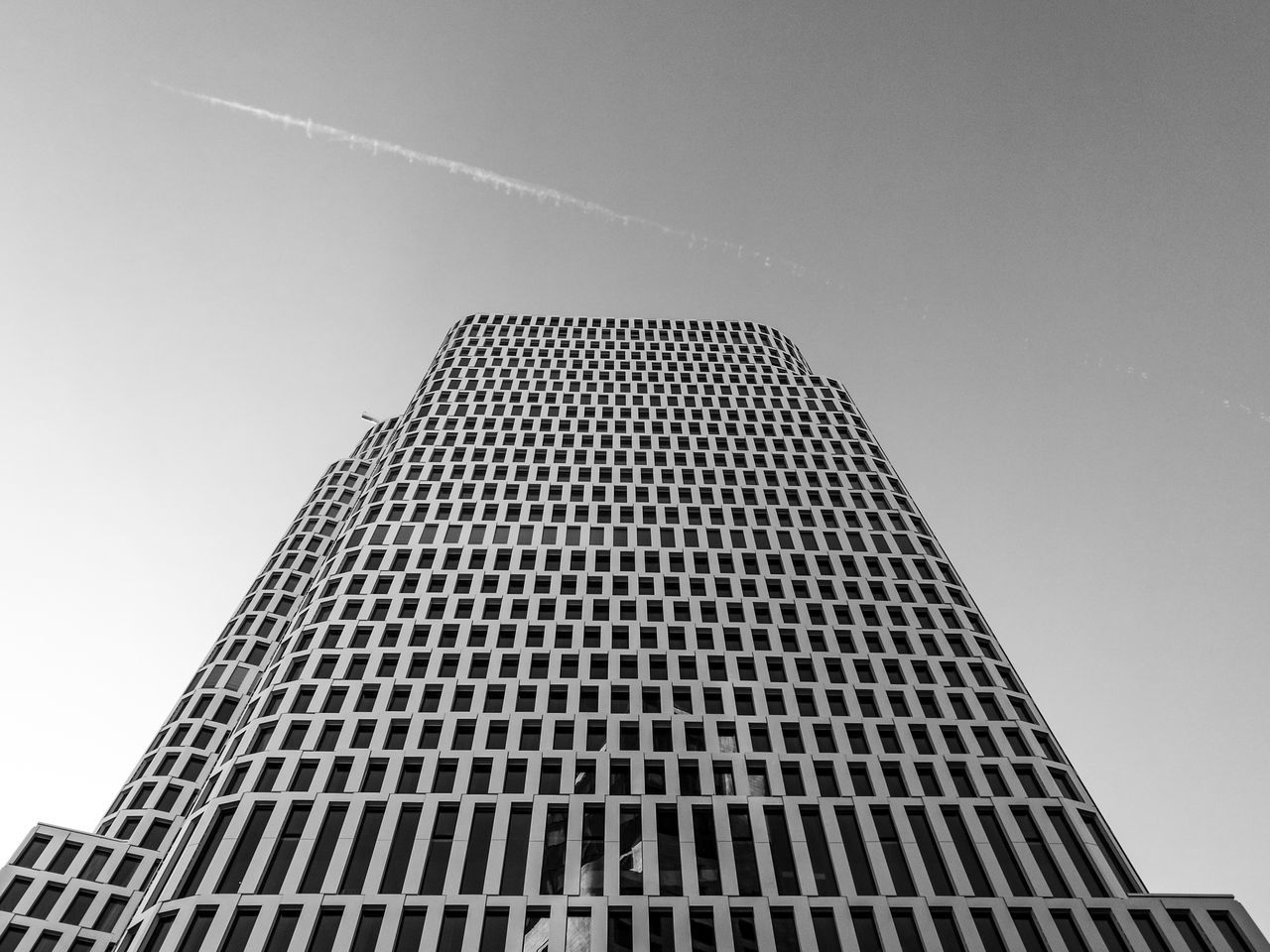 Upperwest Architecture Architecture_collection Architecturelovers Berlin Berlin Black & White Berlin Monochrome Berlin Schwarzweiss Berliner Ansichten Black And White Berlin Blackandwhite Photography Building Exterior Built Structure City Cityexplorer Day HuaweiP9 Low Angle View Monochrome Monochrome Berlin No People Schwarzweiß Skyscraper Urban Geometry Urbanphotography