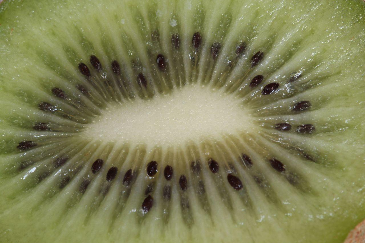 Backgrounds Close-up Day Food Freshness Fruit Full Frame Healthy Eating Kiwi Kiwifruit Kwiaty No People Outdoors Seed