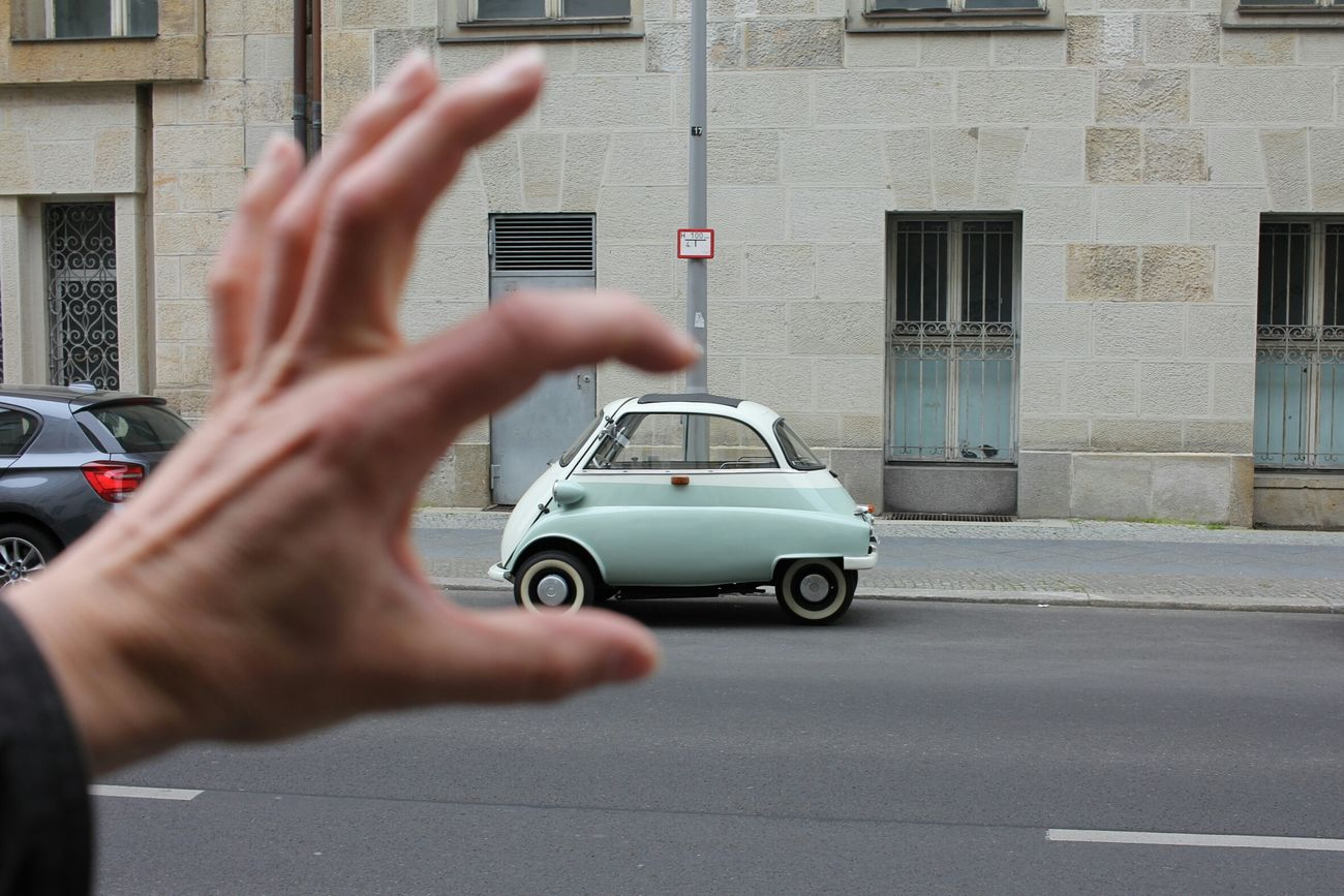 Isetta Bmw My Fuckin Berlin Streetphotography 8ung Berlin EyeEm Best Shots EyeEm Deutschland Wonderful Day Car
