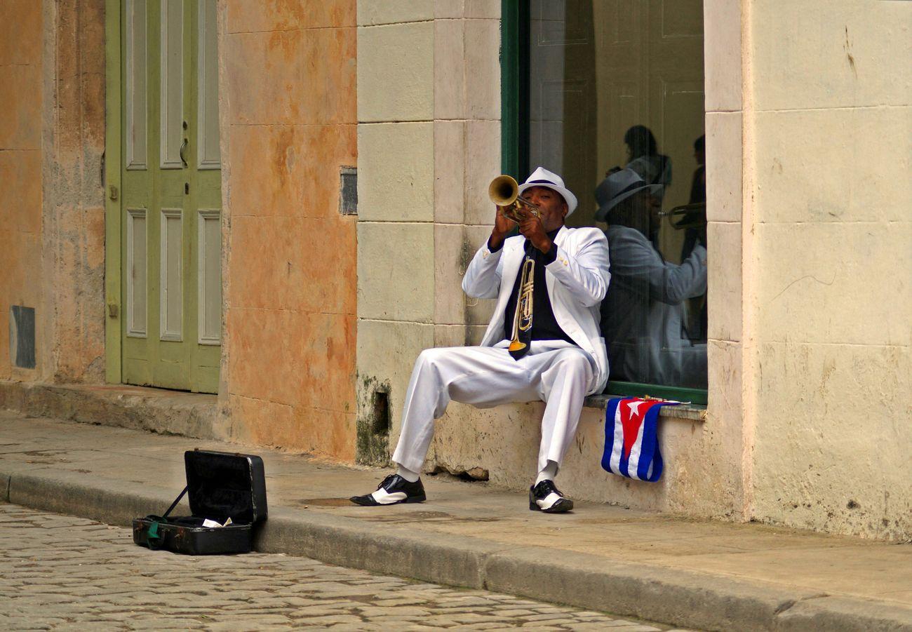 Cuba Musician Streetphotography Trumpet Multicolor