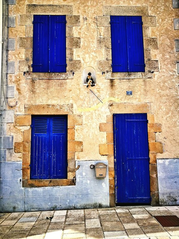 Architecture Blue Window Door Closed Built Structure Building Exterior No People Cool Saint-Goustan Auray Morbihan Bretagne France🇫🇷 Colours Couleurs Chaudes Huawei P9. Photography The Architect - 2017 EyeEm Awards Neighborhood Map BYOPaper! The Street Photographer - 2017 EyeEm Awards