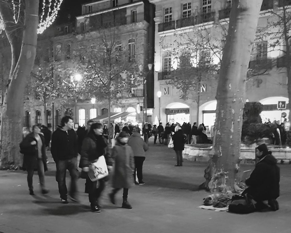 Homeless aix en provence City Illuminated Night Christmas People Only Men Adult Nightlife Outdoors Blackandwhite Aix En Provance Aixenprovence Black And White Photography Black & White Photooftheday Men Streetlifephotography Streetlife
