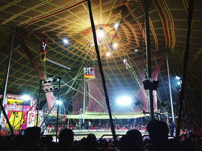Circus Circus Circusfestival Circus Performer People Watching Amazing Icecreamsandwich