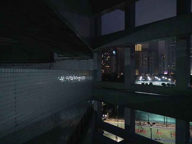 🌙✨ Between Lights & Shadows Reflections Causewaybay  Hkig Instameethk Oneplusone Discoverhongkong EyeEm Art Photography The Architect - 2016 EyeEm Awards Cities At Night