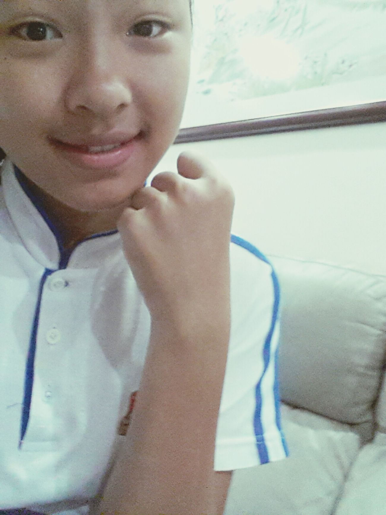 Go8ng to sku... ltr on will be reciting a poem to my principal, so nervoussss~~ Nervous But Smiling First Eyeem Photo
