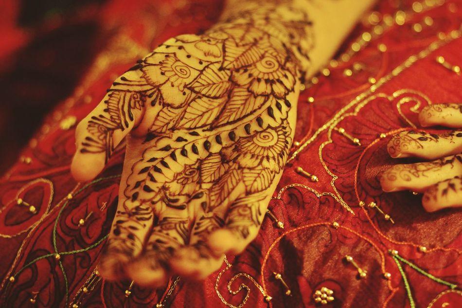 Embroidery Red Bridal Henna Celebration Original Henna Mehndi Henna Hands Close-up Pattern Design Henna Henna Tattoo MehndiDesign High Angle View Henna Art