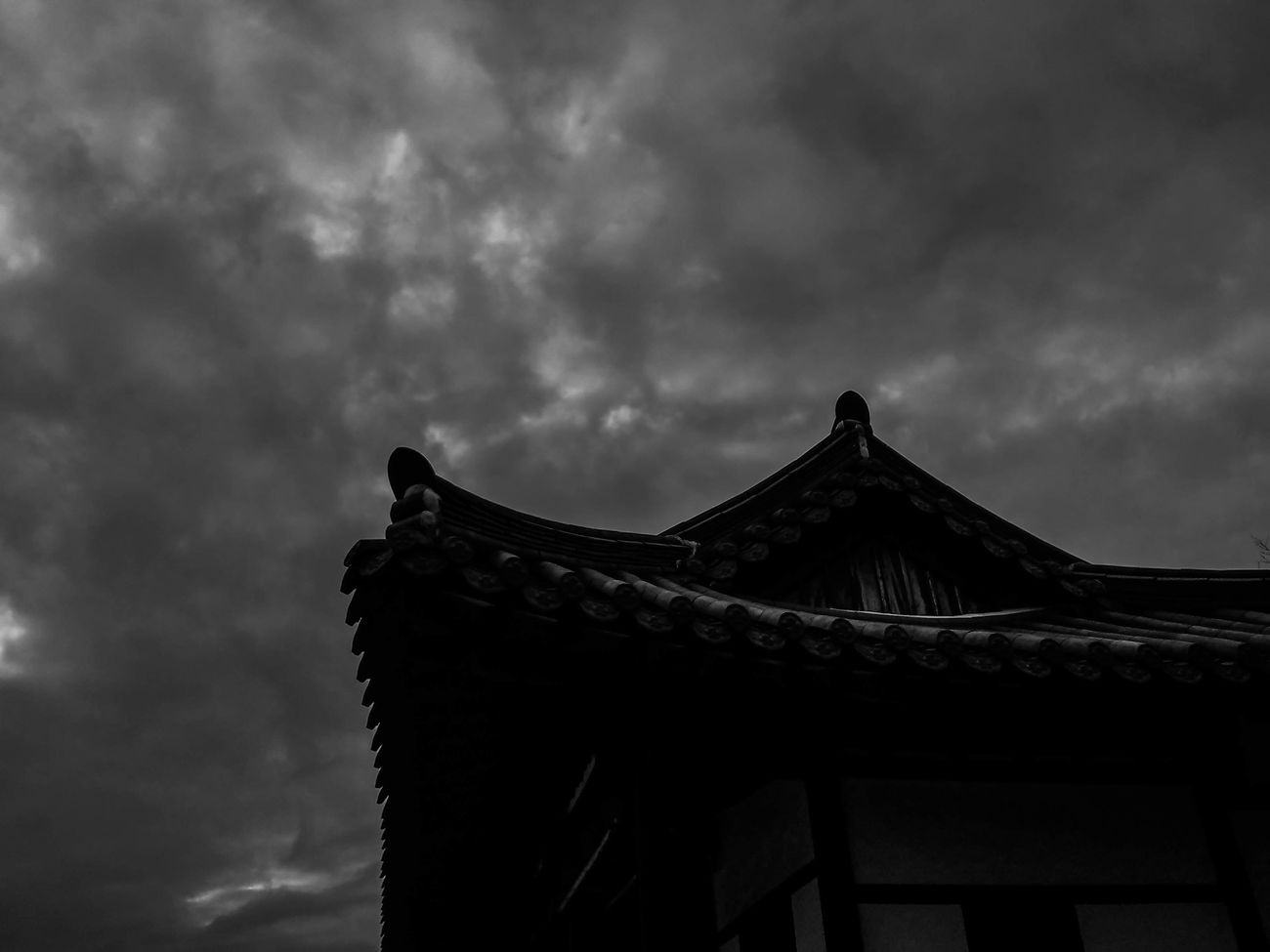 Cloud - Sky Architecture No People Cultures Outdoors Building Exterior Built Structure Blackandwhite Black And White Gloomy Gloomy Weather Korean Traditional Architecture Low Angle View Dark