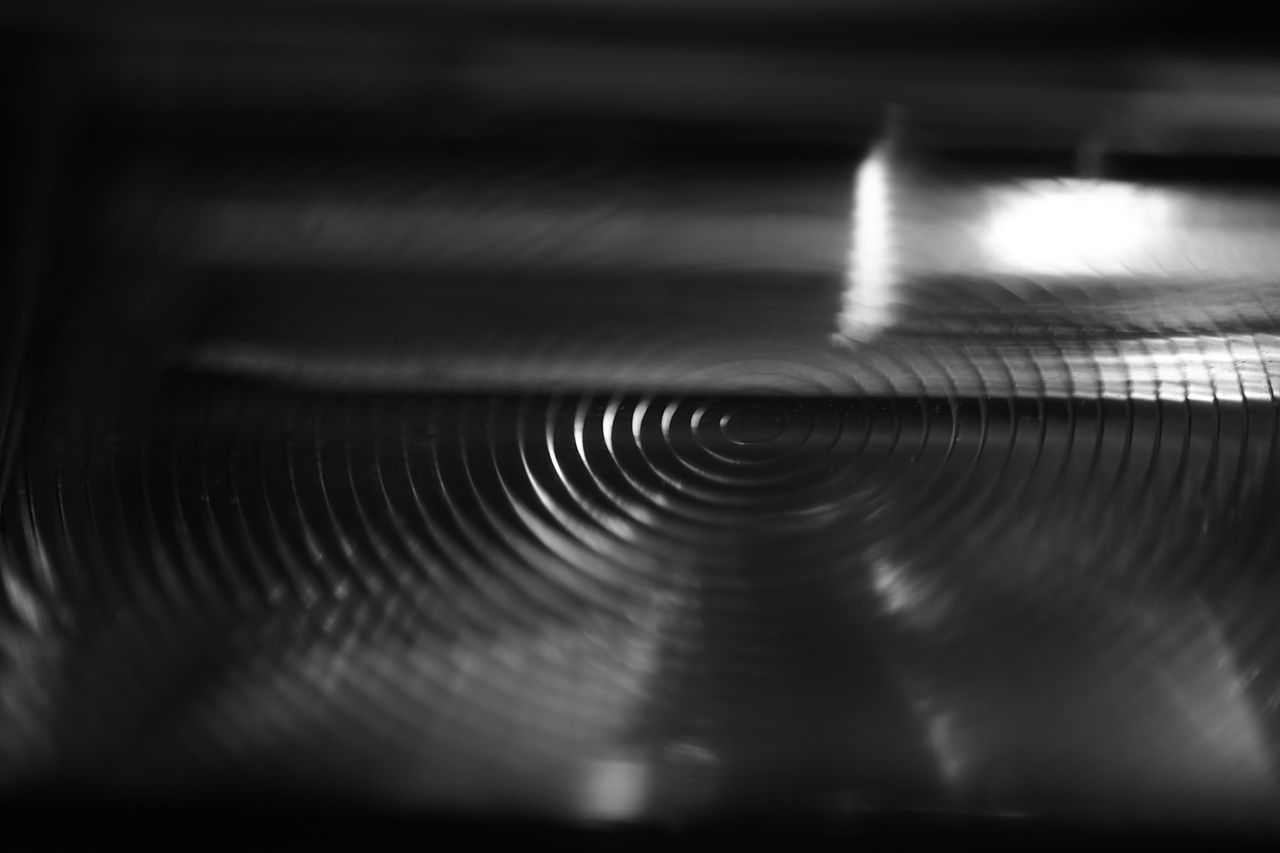 selective focus, indoors, music, close-up, no people, pattern, arts culture and entertainment, technology, musical instrument, day, record player needle
