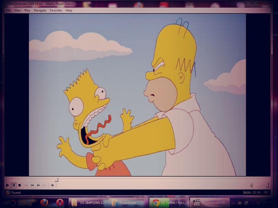 Assistindo Os Simpsons